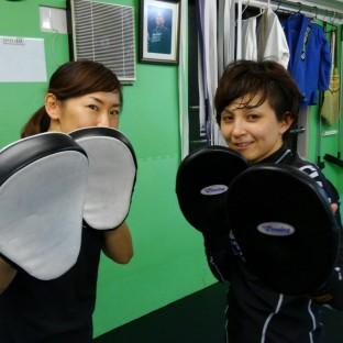 ボクシングミット動画
